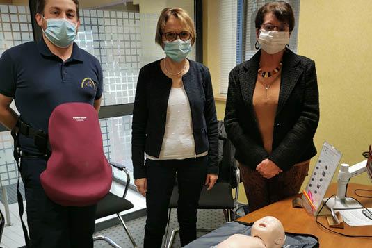 Centre Français de Secourisme Sarthe, remise mannequin nourrisson et ventre d'accouchement